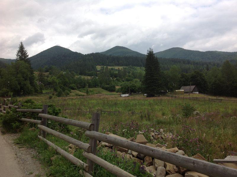 Die Karpaten in der Nähe des Schwarzen Meer laden zum Wandern ein